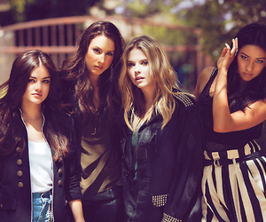 fashion, girls, and pretty little liars image