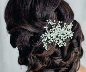 beautiful, brune, and coiffure image
