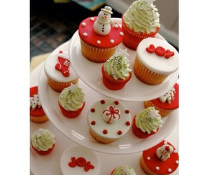 christmas, christmas tree, and cupcakes image