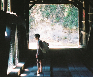 boy and travel image