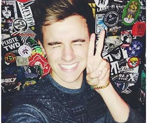 connor franta, o2l, and youtuber image