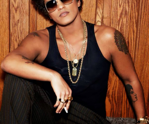 bruno mars and hooligans image