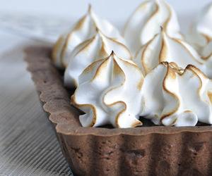 tart, chocolate, and meringue image
