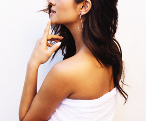 shay mitchell, hair, and pretty little liars image