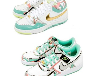 colores, nike women, and sneakers nike image