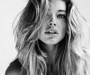 blond, siyah, and beyaz image