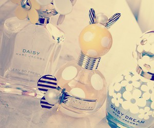 beauty, marc jacobs, and daisydream image