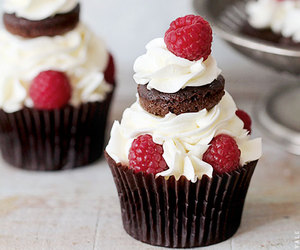 cupcake, food, and cream image