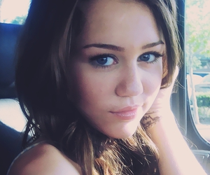 diva, eyes, and miley image