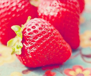 strawberry, FRUiTS, and red image