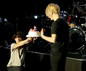 cake, funny, and jrock image