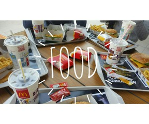 food, McDonald's, and juste with friends image
