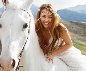 miley cyrus and horse image