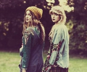 autumn, beauty, and best friends image