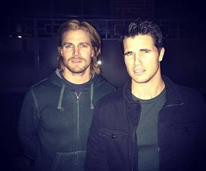 stephen amell image