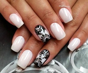 black, white, and manicure image