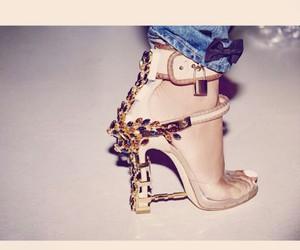 rihanna and shoes image