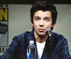 asa butterfield, blue eyes, and boy image