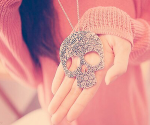 skull, fashion, and necklace image