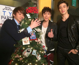james, moon, and royal pirates image