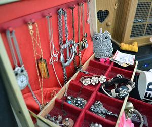 fashion, necklace, and bracelet image