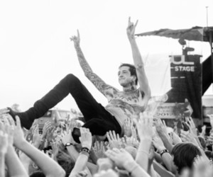 austin carlile, of mice and men, and om&m image