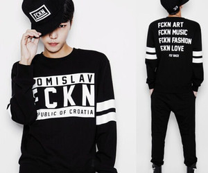 ulzzang boy and black and white sweater image