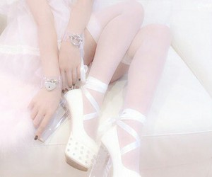 pink, pale, and aesthetic image