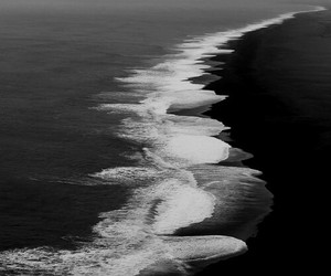 sea, ocean, and black and white image