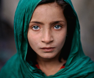 girl, eyes, and steve mccurry image
