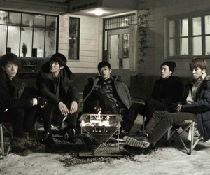 kpop, bigstar, and standing alone image