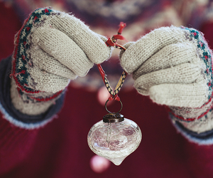 winter christmas hands image