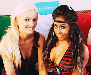 holly madison, snooki, and pink4sure image