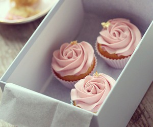 cupcake, food, and frosting image