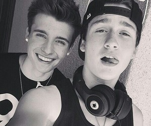 crawford collins, crawford, and weeklychris image