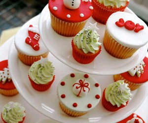 christmas, sweets, and cupcakes image