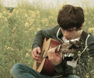 jake bugg, guitar, and boy image