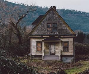 creepy, autumn, and house image