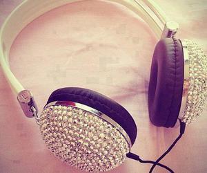 chic, Dream, and headphones image