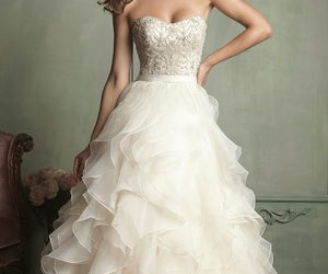 embroidery, Full Skirt, and sweetheart image