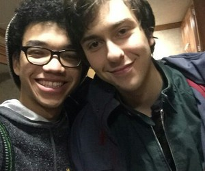 paper towns, nat wolff, and justice smith image