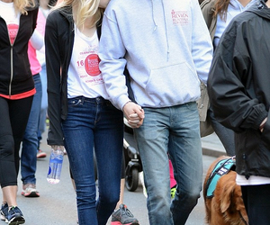 couple and stonefield image