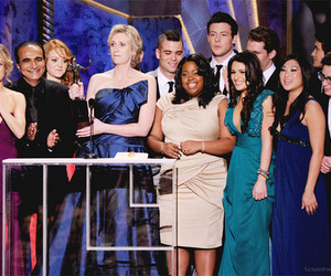 glee cast and glee image
