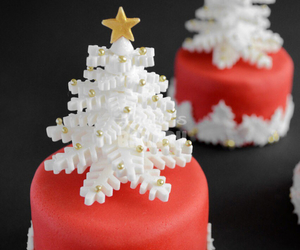 cakes, christmas tree, and cupcakes image