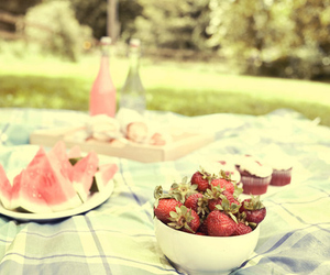 strawberry, picnic, and vintage image