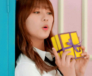 icons, a pink, and hayoung image