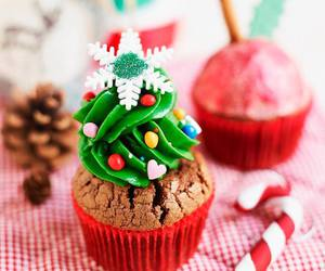 food, christmas, and cupcake image