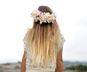 blond, long, and pelo image