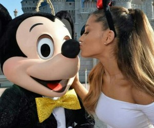 <3, ariana grande, and celebrities image