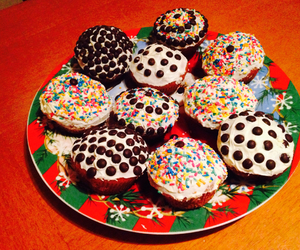 chocolate, christmas, and cupcakes image